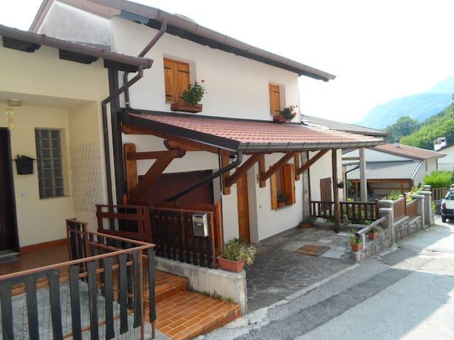 Bundi e BuinaNot, per chi ama la tradizione - Forgaria Nel Friuli - Penzion (B&B)