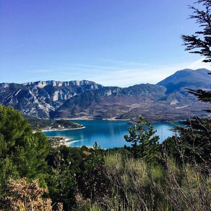Lac de Sainte Croix, à 10 minutes du gîte
