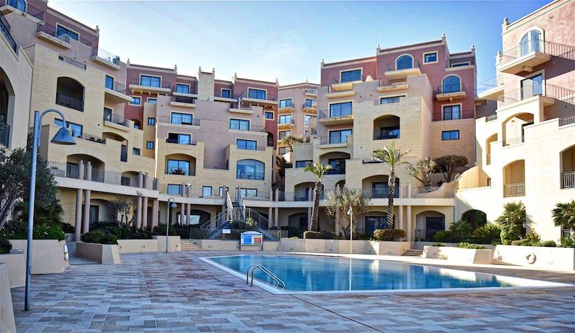 Sunny Apartment in Tas-Sellum Mellieha, Malta.