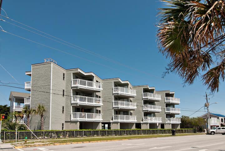 Shearin-Nightly rentals at an oceanside condo just steps from Johnnie Mercer's Pier