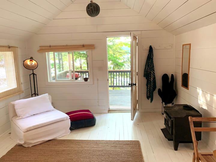 Cosmo's Muskoka - 8 Cabins on Brandy Lake
