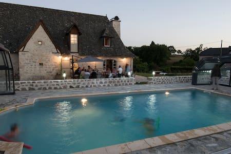 Les Bastides de Cantales, 5* - Lacapelle-Viescamp - Casa