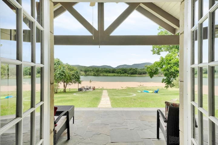 Airbnb Kingsland Holiday Rentals Places To Stay