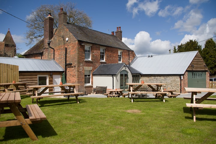 The Greyhound Inn, near Wantage