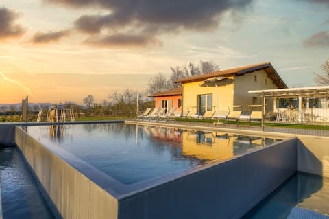 3 bdr private villa near Cortona. AC, Wi-Fi & pool