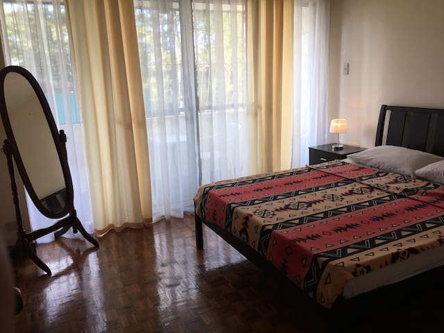 "Baguio 2br, 3 queen beds, 40"" HD tv - Baguio - Huoneisto"