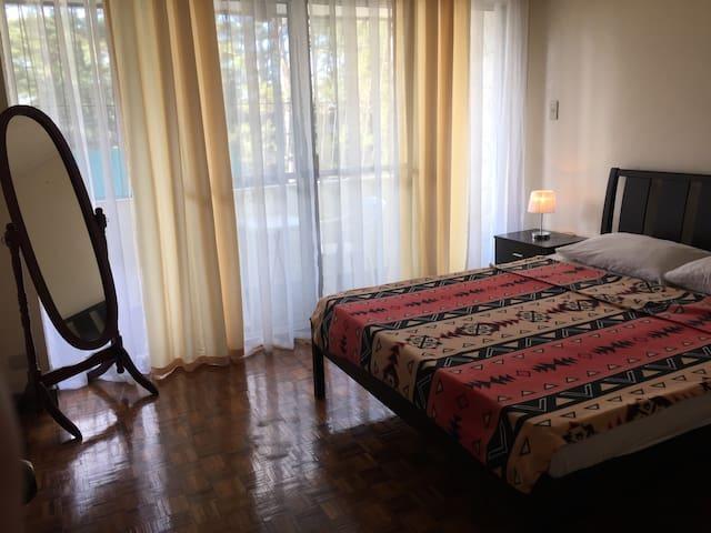 """Baguio 2br, 3 queen beds, 40"""" HD tv - Baguio - Byt"""