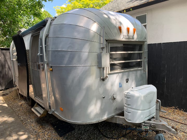 Vintage Airstream style glamping freshly reno'd