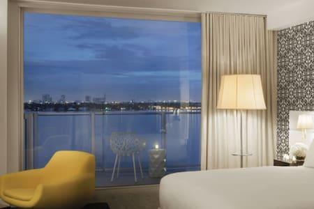 Mondrian Hotel Miami 2 Rooms #7
