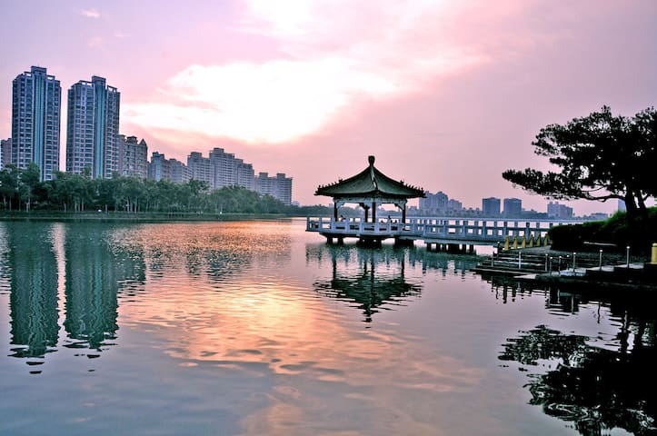 Kaohsiung City near the clear lake, mountain hotel - 鳥松區 - House