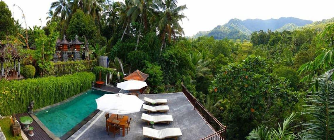 Deluxe room 1 _ Astana Swaha Sidemen-Bali