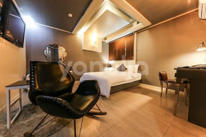 향기로운 예쁜 호텔 펀앤포크 공주점 (금연객실 보유/  트윈가능-추가요금5천원)