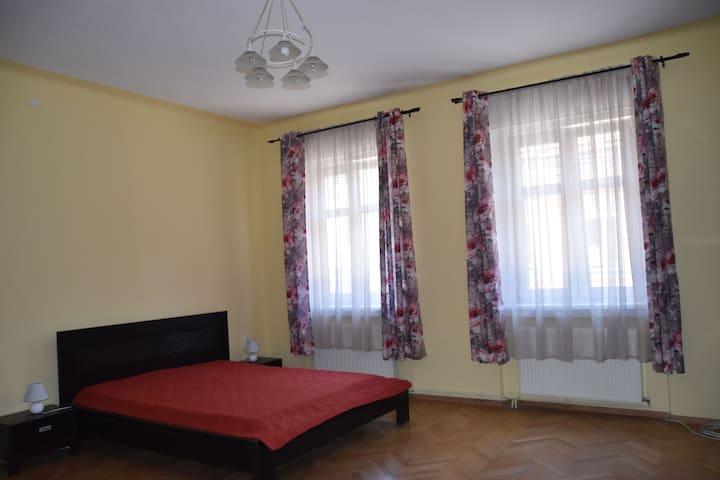 K @ Unirii Str. - Master bedroom