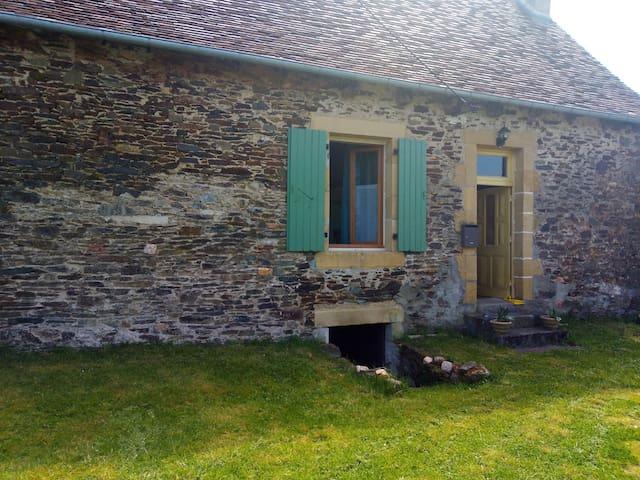 Savignac-Lédrier : maison au calme