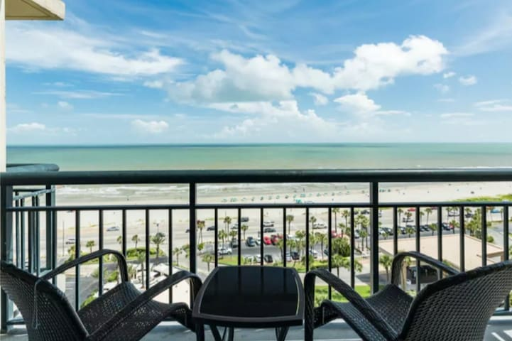 The San Luis Escape- Beach Front Condo 14th Floor