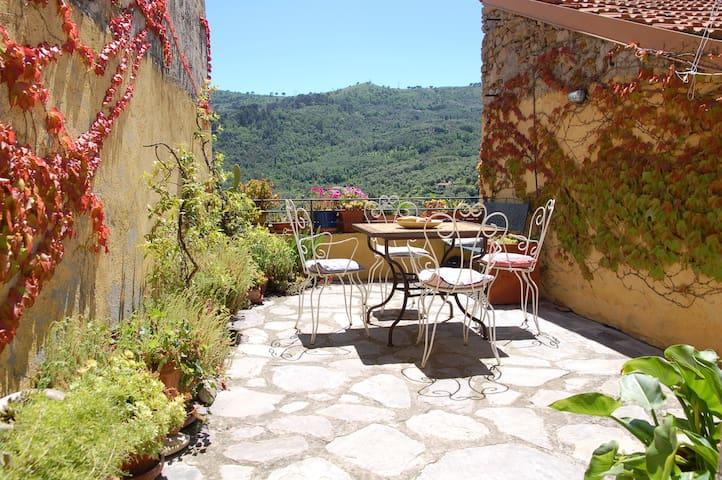 Casa San Michele Ferienhaus in Dolcedo-Isolalunga - Isolalunga - Huis