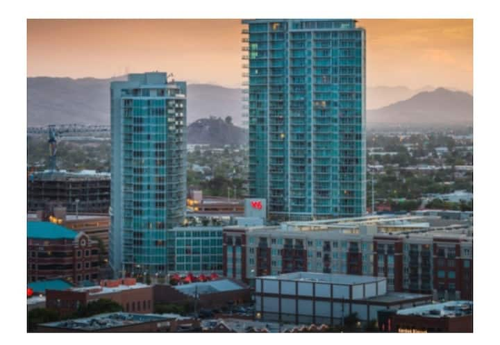 Luxury Apartment in the heart of Tempe!
