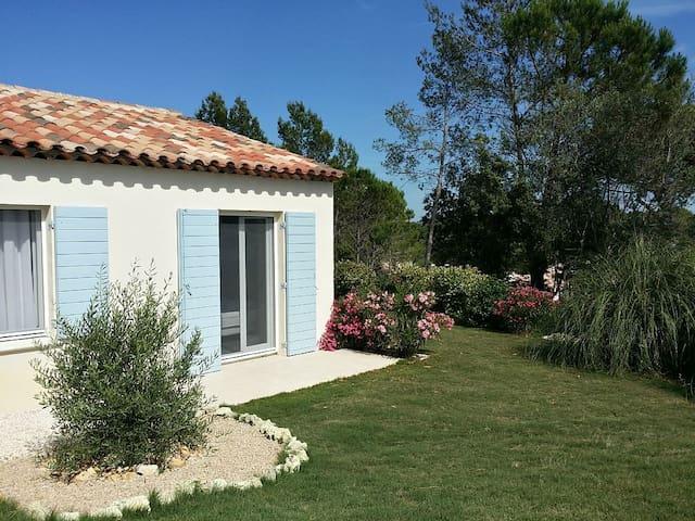 Villa avec piscine chauffée à 20 min des plages - Bagnols-en-Forêt - Villa