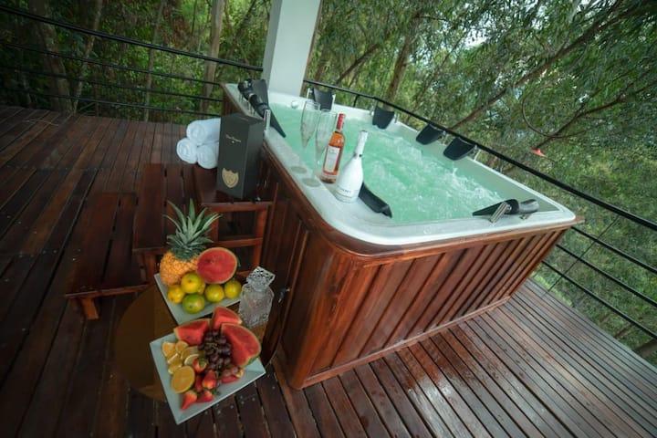 Inmaculate 6 bedroom stuning views luxuy villa