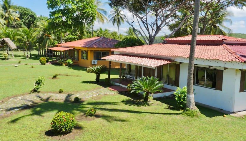Costa Rican BEACHFRONT Casita+Private Beach+Pool