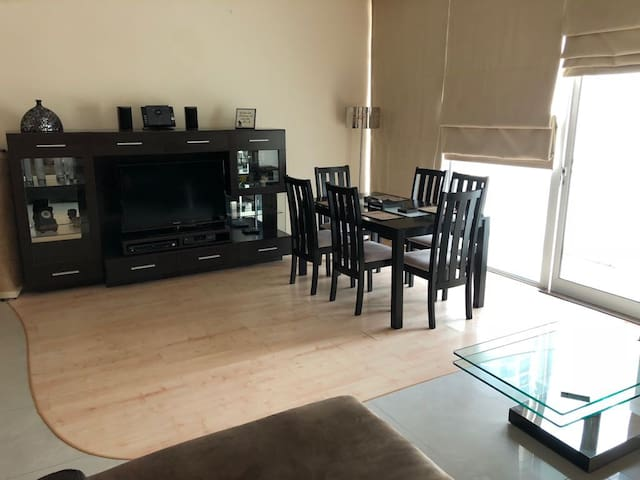 Luxurious 2 bed flat + High speed Net in Juffair