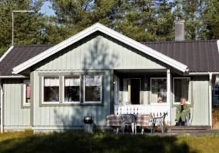 Cozy cottage by the sea, sauna, private beach