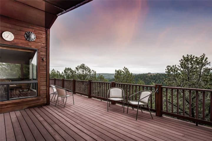 Awesome Views, 5 Bedrooms, Sleeps 10, Wet Bar, Views, Gas Fireplace