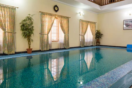 Luxury Room with diversified service & quality - Kochi