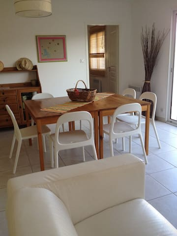 Maison de village - 6km de Carcassonne - Pezens - Huis
