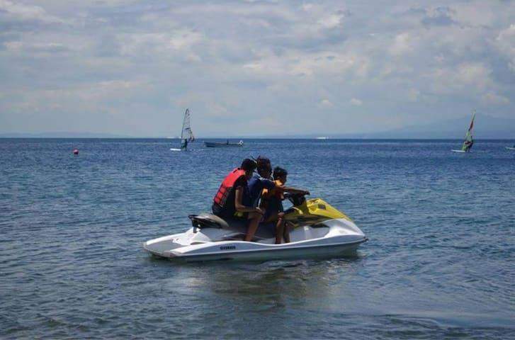 Kayak, Jetski, Videoke Beachfront Anilao Batanags - Bauan - ゲストハウス