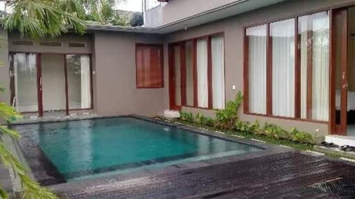 Villa Cedok katiklantang ubud , south penestanan