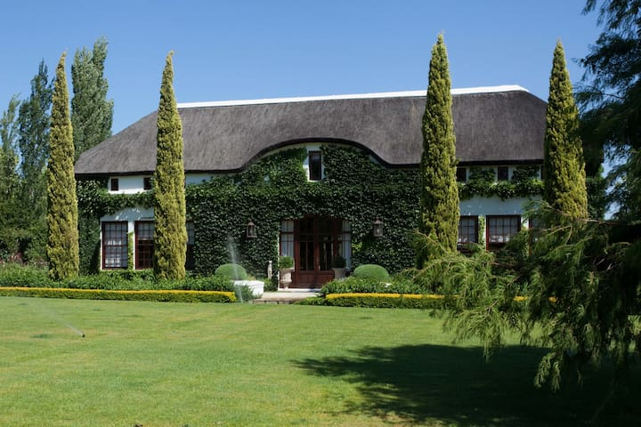 Country Family Home (4 bedroom) - Franschhoek - House