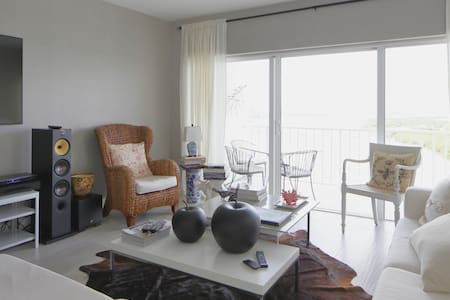 On the Water Upscale Condo in Sunny Isles - 阳光岛海滩 - 公寓