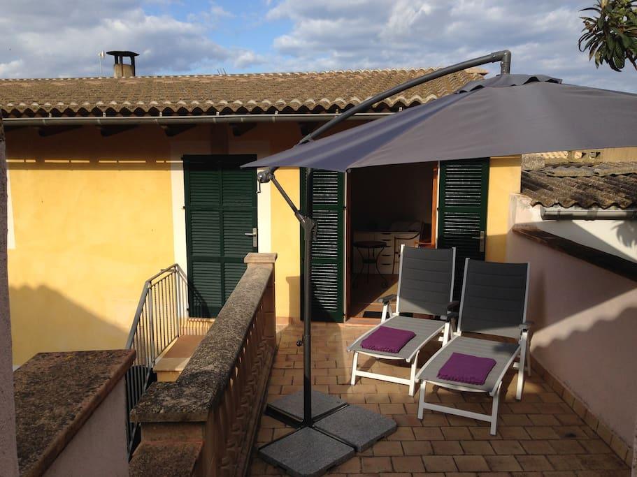 Terrasse mit Platz für Liegestühle