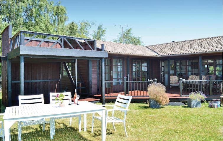 Holiday cottage with 3 bedrooms on 85m² in Gilleleje