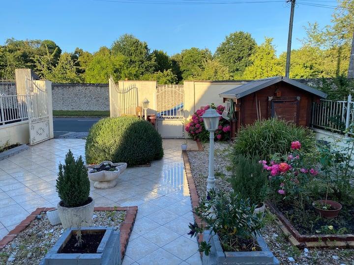 Maison entière avec jardin