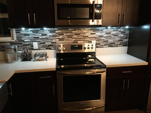 Fully remodeled kitchen, including an induction cooktop