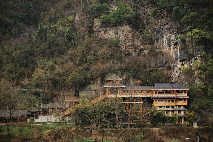 【壹城一家】国家森林公园.玻璃桥(提供接送服务,管家服务)-豪华双床山景房