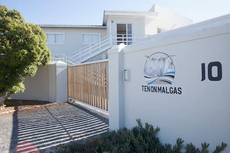 Ten on Malgas - Brilpikkewyn Room 4 - Yzerfontein - Talo