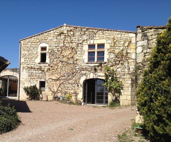 Bastide en pierres - Fayssac - บ้าน