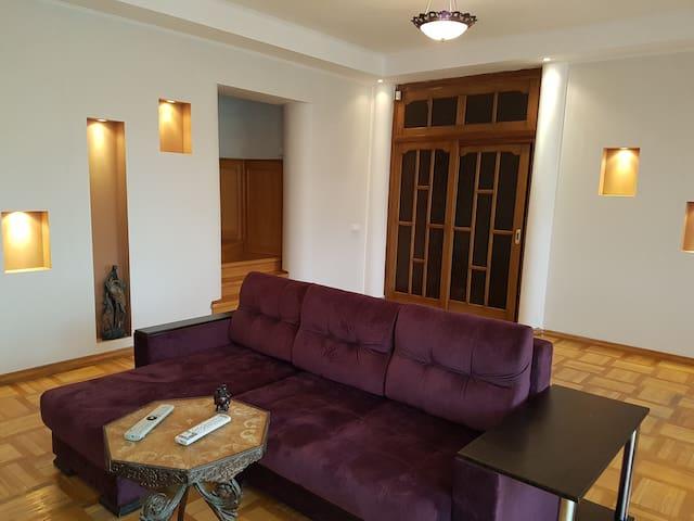 Дом с прекрасным видом в городе Пинске