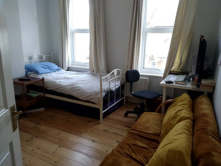 Room near Southend town centre