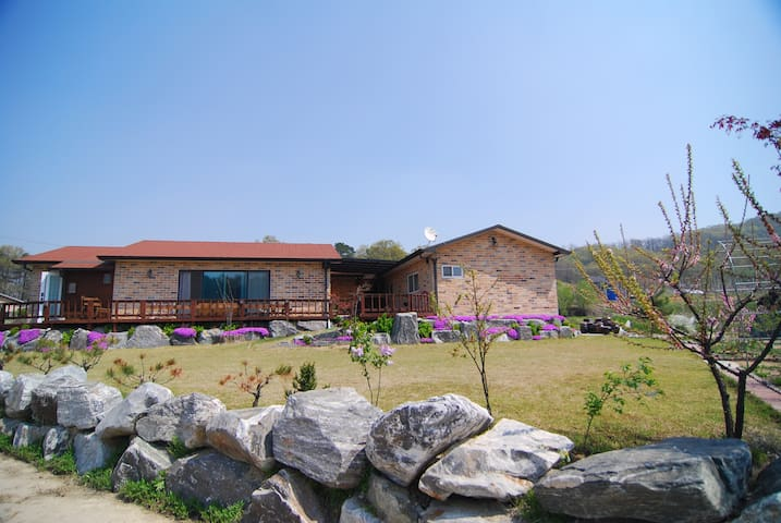 마당과 텃밭이 있는 시골체험 전원주택(독채)