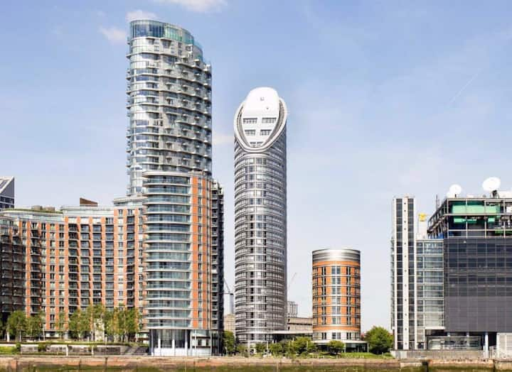 Riverside Studio Modern Apartment at Canary Wharf