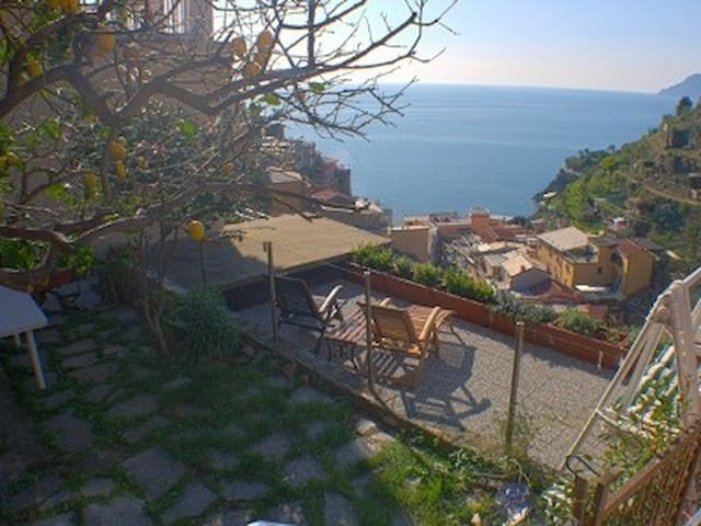 Beautiful sea view room with garden - Manarola - Muu