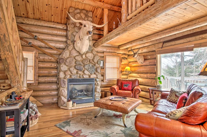 NEW! Spacious Log Cabin on Rum River w/ Fire Pit!