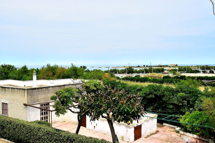 Cozy house at 50m from the sea - Brindisi - Casa de campo