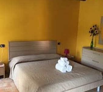 Confortevole casa rustica - Ghiarole - Aamiaismajoitus