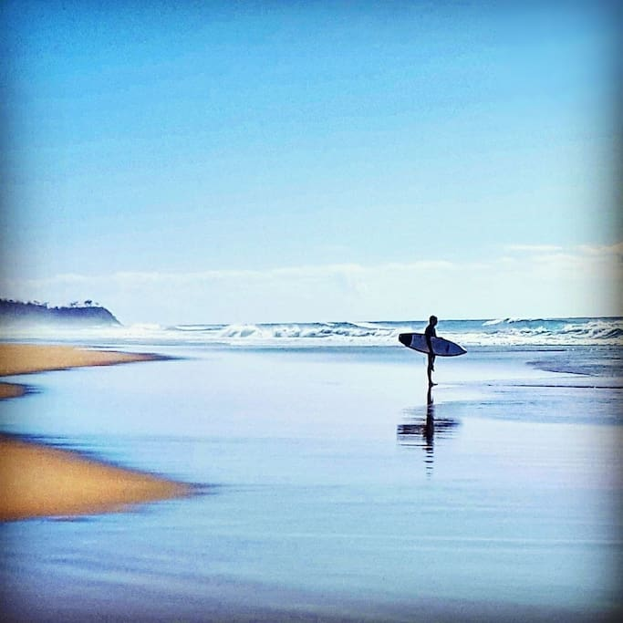 Surfing at Castaways Beach without the crowds