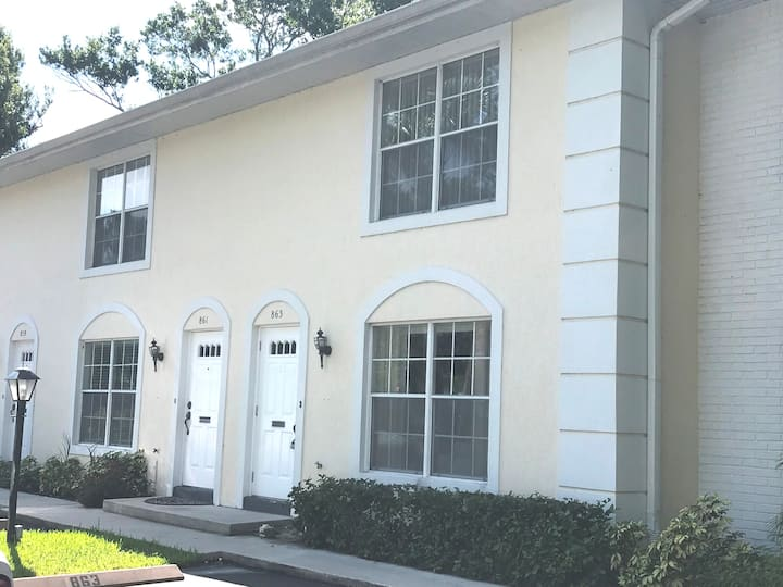 2 BR Townhome near Plaza